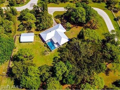 Fort Myers Single Family Home For Sale: 3636 Heritage Ln