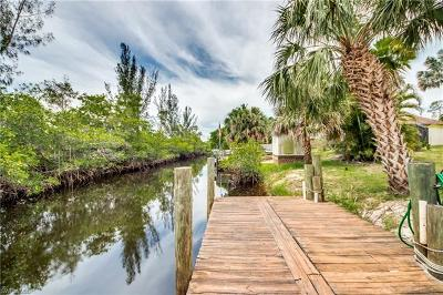 Single Family Home For Sale: 6064 Waterway Bay Dr