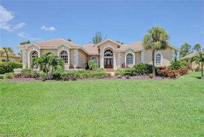 Fort Myers Single Family Home For Sale: 16248 Forest Oaks Dr