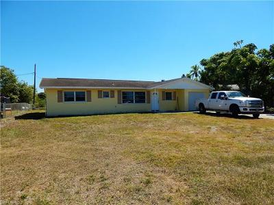 North Fort Myers Single Family Home For Sale: 5450 Bayshore Rd