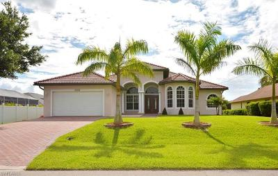 Cape Coral Single Family Home For Sale: 1627 SW 15th Ave