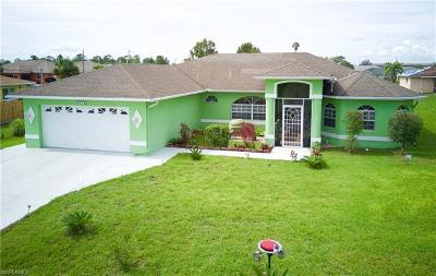 Lehigh Acres Single Family Home For Sale: 5545 Barth St