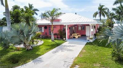 Fort Myers Single Family Home For Sale: 267 Flamingo St