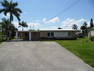 North Fort Myers Single Family Home For Sale: 1156 Harbor Dr