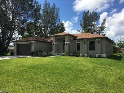 Cape Coral Single Family Home For Sale: 1203 SW 18th Ct