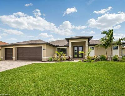 Cape Coral Single Family Home For Sale: 3805 Agualinda Blvd