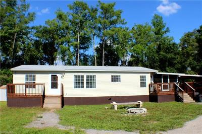 North Fort Myers Mobile/Manufactured For Sale: 7727 McDaniel Dr