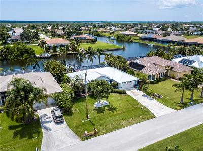 Bonita Springs, Cape Coral, Fort Myers, Fort Myers Beach Single Family Home For Sale: 3306 SW 27th Pl