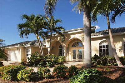 Cape Coral Single Family Home For Sale: 1821 Lagoon Ln
