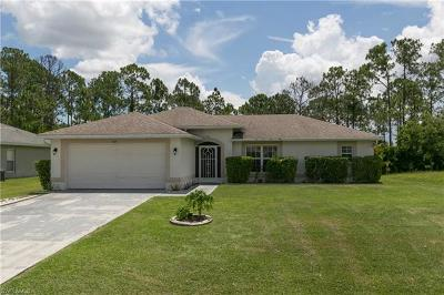 Lehigh Acres Single Family Home For Sale: 147 Viewpoint Dr
