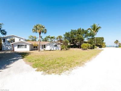 Sanibel Single Family Home For Sale: 1225 Seagrape Ln