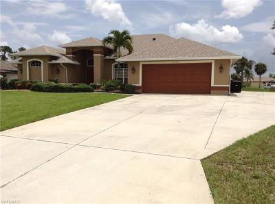 Lehigh Acres Single Family Home For Sale: 2405 Atlantic Cir