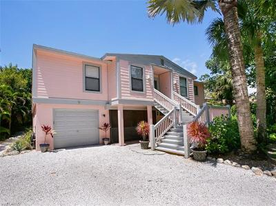 Sanibel Single Family Home For Sale: 707 Cardium St