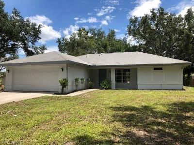 Lehigh Acres Single Family Home For Sale: 2200 E 14th St