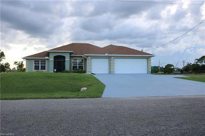 Cape Coral Single Family Home For Sale: 4414 Garden Blvd