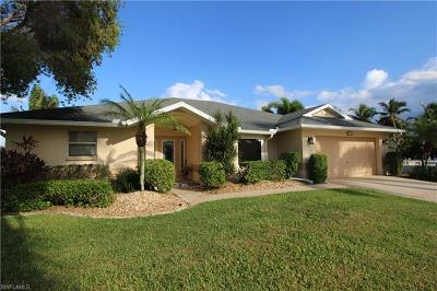 Cape Coral Single Family Home For Sale: 5017 SW 26th Pl