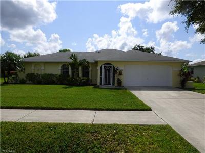 Lehigh Acres Single Family Home For Sale: 241 Bethany Home Dr