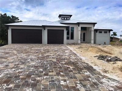 Cape Coral Single Family Home For Sale: 4342 SW 19th Ave