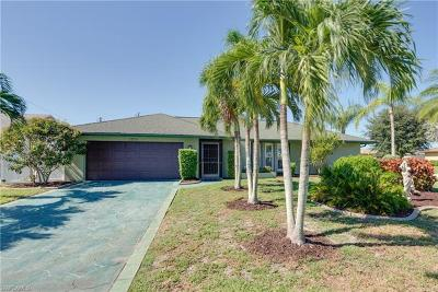 Cape Coral Single Family Home For Sale: 1304 SE 22nd Ter