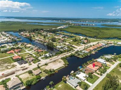 Cape Coral Single Family Home For Sale: 3812 SW 3rd Ter