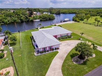 Lee County Single Family Home For Sale: 2036 Club House Rd