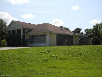 Lehigh Acres Single Family Home For Sale: 512 James Ave