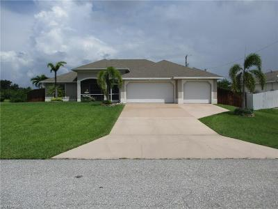 Cape Coral Single Family Home For Sale: 2009 NE 19th Ter