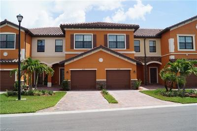 Fort Myers Condo/Townhouse For Sale: 8090 Summerfield St