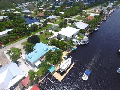 St. James City Single Family Home For Sale: 2759 Sanibel Blvd