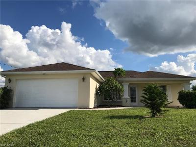 Lehigh Acres Single Family Home For Sale: 464 Rayford St