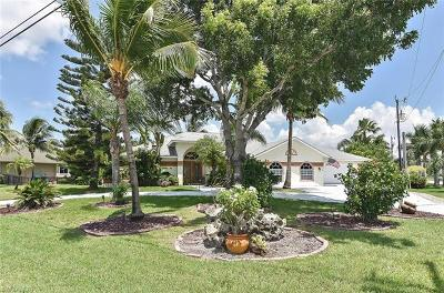 Cape Coral Single Family Home For Sale: 2705 Beach Pky W
