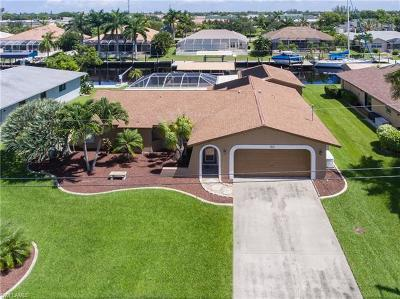 Cape Coral Single Family Home For Sale: 1521 SW 49th St