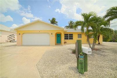 Bokeelia, Matlacha, St. James City Single Family Home For Sale: 3670 Outrigger Ln