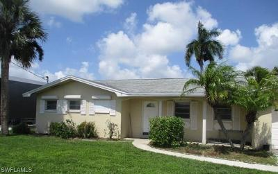 North Fort Myers Single Family Home For Sale: 4325 S Gulf Cir
