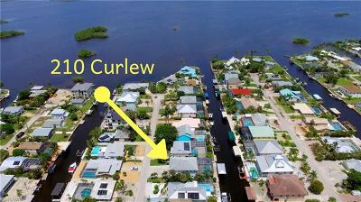 Fort Myers Beach Single Family Home For Sale: 210 Curlew St