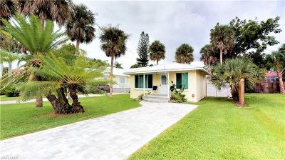 Fort Myers Beach Single Family Home For Sale: 210 Pearl St