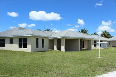 Lehigh Acres Single Family Home For Sale: 346 Fairwind Ct