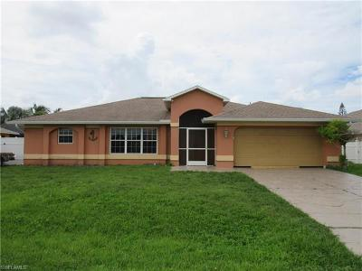 Cape Coral Single Family Home For Sale: 916 SE 33rd Ter