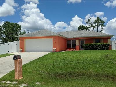 Lehigh Acres Single Family Home For Sale: 2608 43rd St SW