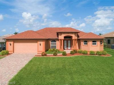 Cape Coral Single Family Home For Sale: 2220 SE 20th Ave
