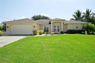 Cape Coral Single Family Home For Sale: 1015 SE 19th Ave