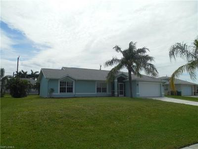 Cape Coral Single Family Home For Sale: 3302 Oasis Blvd