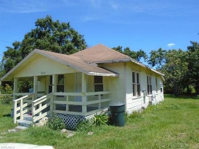 Fort Myers Single Family Home For Sale: 3843 Lora St