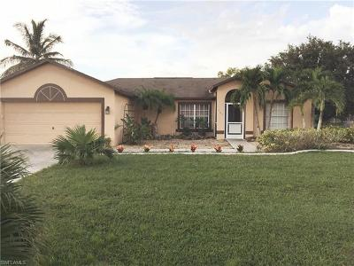 Cape Coral Single Family Home For Sale: 707 SE 32nd Ter