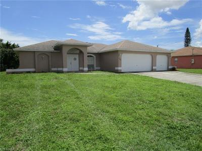 Cape Coral Single Family Home For Sale: 2208 NE 1st Ter
