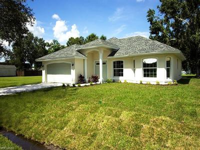 Fort Myers FL Single Family Home For Sale: $279,000