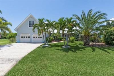 Cape Coral Single Family Home For Sale: 4006 SW 25th Pl