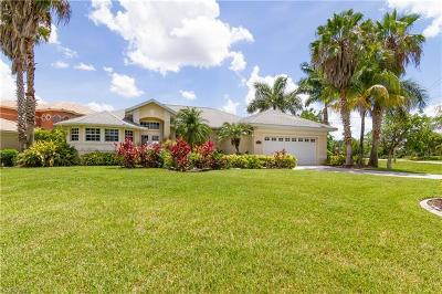 Cape Coral Single Family Home For Sale: 2015 El Dorado Pky W