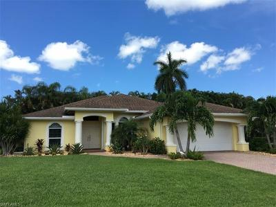 Estero Single Family Home For Sale: 22200 Fairmount Ct