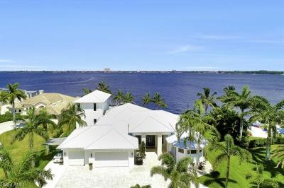 Cape Coral Single Family Home For Sale: 5625 Riverside Dr